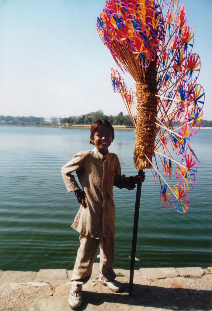 Bilde av gutt med stang